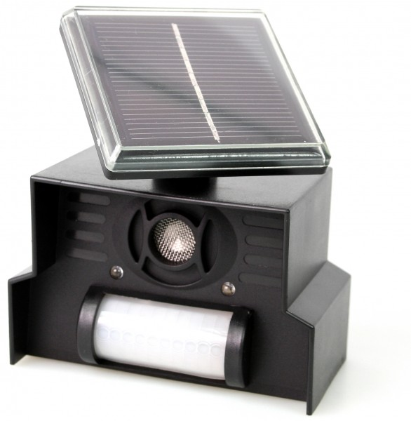 Épouvantail pour les animaux sauvages avec cellule solaire